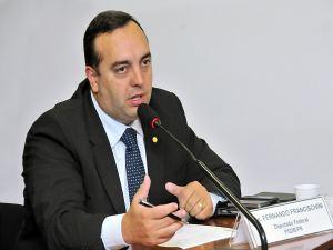 Fernando Francischini (PSDB-PR) quer coletar assinatura dos colegas para viabilizar plebiscito. (Foto: Divulgação/Agência Câmara)