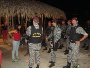 Homens da Força Nacional de Segurança cercam casa de um dos agricultores ameacados de morte em Nova Ipixuna (Foto: Divulgação/Força Nacional/Ministério da Justiça)