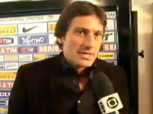 Ex-jogador Leonardo é pego em blitz da Lei Seca no Rio (Foto: Reprodução / TV Globo)