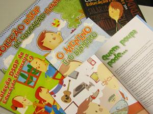 Coleção reúne publicações destinadas ao público infantil  (Foto:  Paulo Guilherme/G1)