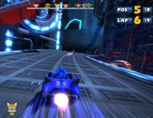 Sonic se aventurou em corridas no estilo 'Mario Kart' (Foto: Divulgação)