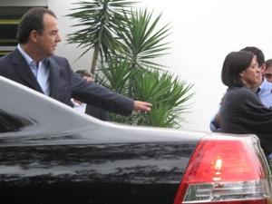 Cabral na cremação de Jordana (Foto: Lílian Quaino/G1)