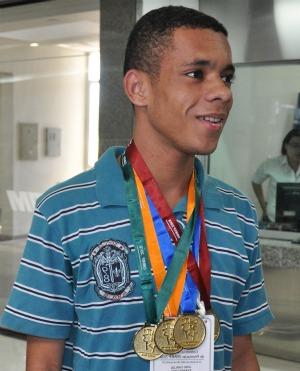 Estudantes de MS com quatro medalhas de ouro na olimpíada de matemática (Foto: Fernando da Mata/G1 MS)