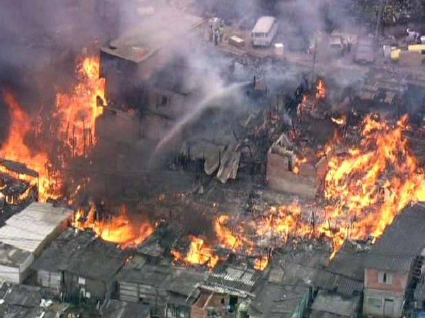 fogo favela vila andrade (Foto: Reprodução/TV Globo)