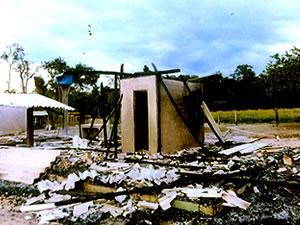 casas queimadas, índios, alto boa vista (Foto: Associação dos Produtores Rurais de Suiá Missú)