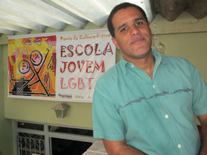 Deco Ribeiro, diretor da Escola Jovem LGBT de Campinas (Foto: Luciana Bonadio/G1)