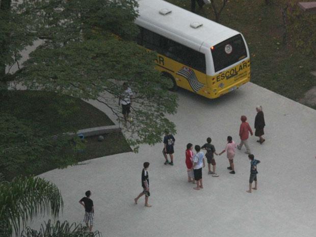 Vista do prédio de onde o atirador atingiu as três crianças em Santo André, na Grande São Paulo. (Foto: Jotabê/ABCDIGIPRESS/AE)