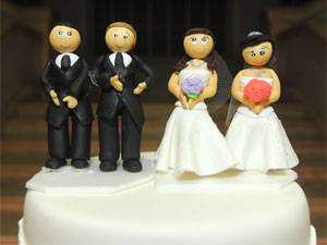 Bolo do casamento tinha casais de homens e de mulheres (Foto: Flavio Moraes/G1)