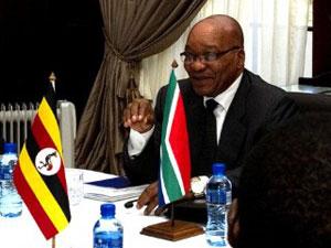 Zuma em reunião com outros líderes africanos que visa mediar conflitos na Líbia (Foto: AFP)
