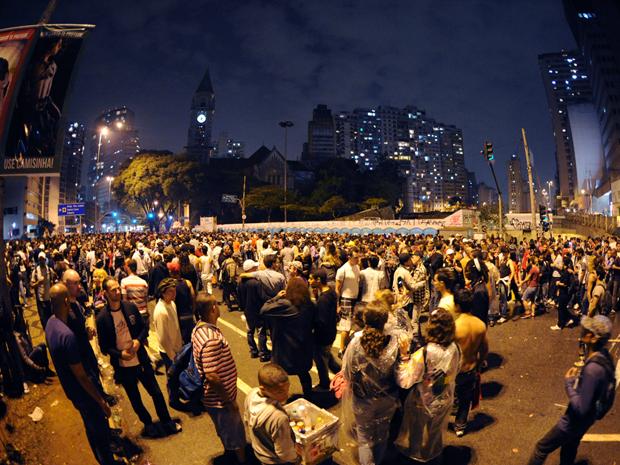 Público chega à Praça Roosevelt, ponto final da Parada (Foto: Raul Zito/G1)