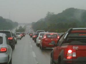 Tráfego lento na Rodovia dos Imigrantes (Foto: G1/G1)