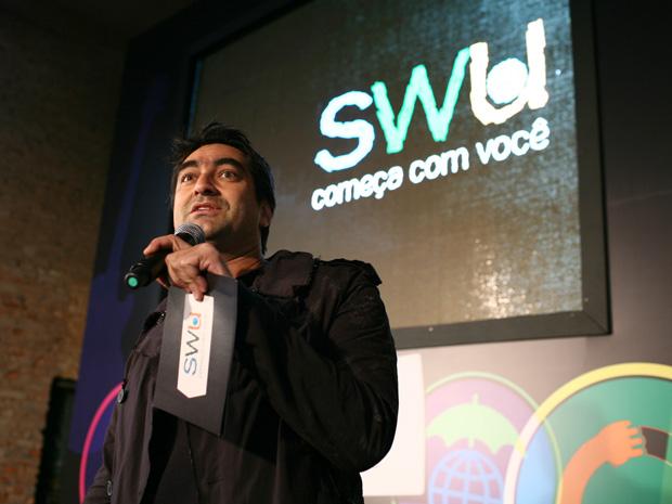 Zeca Camargo apresenta programação do SWU 2011 (Foto: Daigo Oliva/G1)
