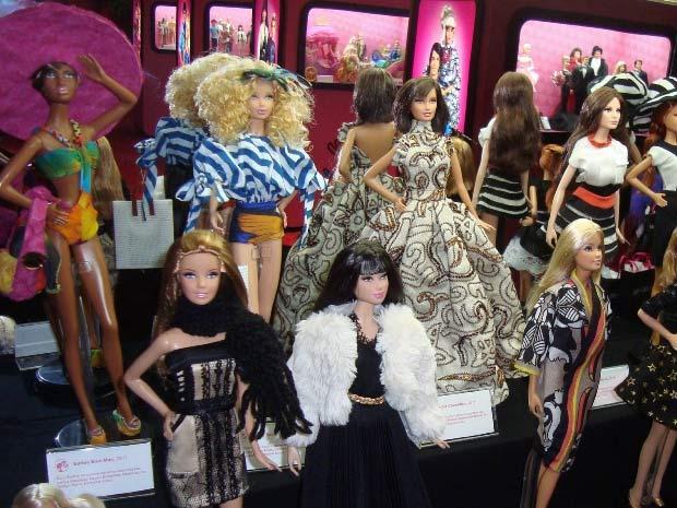 http://s.glbimg.com/jo/g1/f/original/2011/06/30/barbie_materia.jpg
