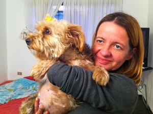 Wanilda e Maisha, que perdeu o movimento nas pernas após um atropelamento (Foto: Clara Velasco/G1)
