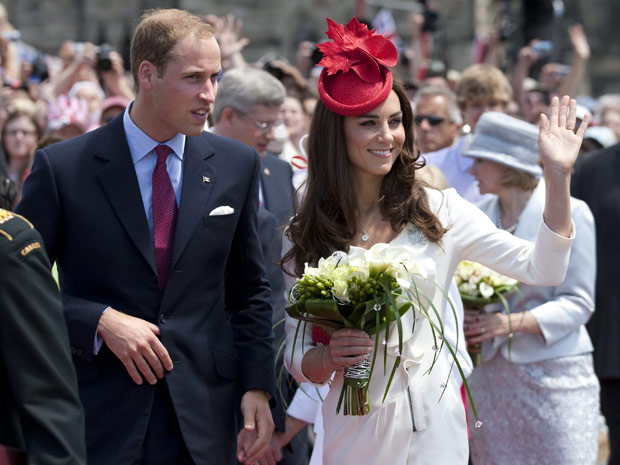 William e Kate, duque e duquesa de Cambridge, participam das celebrações do Dia do Canadá, nesta sexta (1°), em Ottawa (Foto: Adrian Wyld / AP)