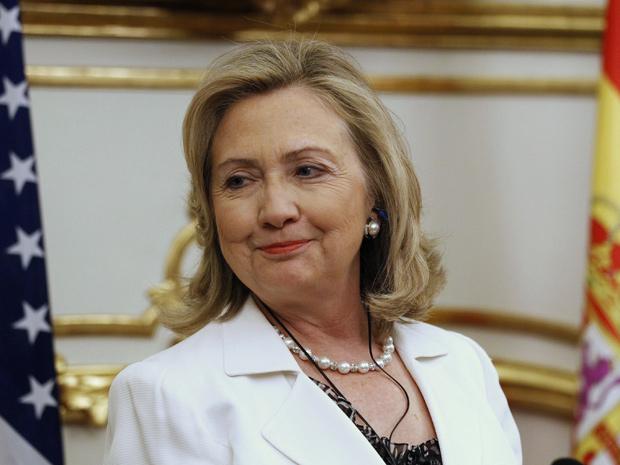 Após reunião na Espanha, Hillary Clinton disse que Kadhafi deveria deixar o poder (Foto: Andrea Comas / Reuters)