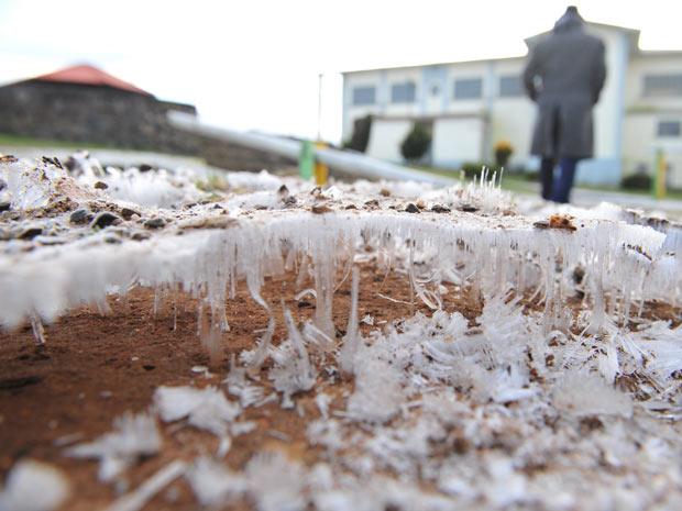 Massa de ar polar causou queda de temperaturas e geada em cidade no Sul do país (Foto: Lauro Alves/Zero Hora/Ag. RBS)