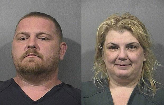 Riley Choate, pai do menino, e a madrasta Kimberly Kubina enfrentam uma série de acusações (Foto: Lake County Sheriffs Department)