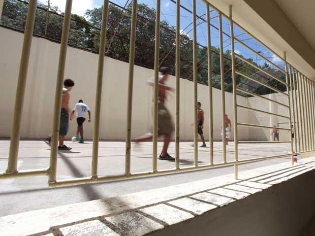 Em unidade do Rio Grande do Sul, adolescentes infratores fazem atividades durante inspeção do Conselho Nacional de Justiça em 2010 (Foto: Luiz Silveira/ Agência CNJ.)