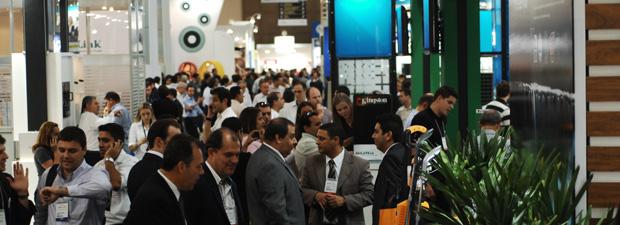 Visitantes na feira Eletrolar Show em São Paulo (Foto: Divulgação)