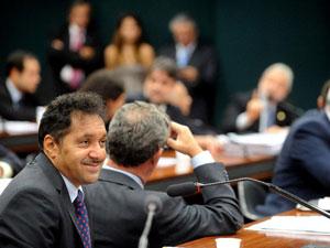O deputado Tiririca participa de reunião da Comissão de Educação e Cultura da Câmara (Foto: Wilson Dias/AB)