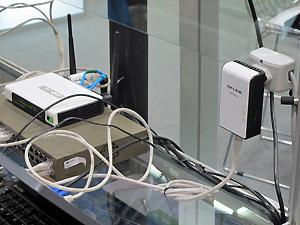 Kit Powerline TP-Link internet rede elétrica (Foto: Gabriel dos Anjos/G1)