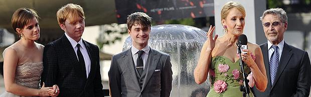 J.K. Rowling fala com os fãs acompanhada de Emma Watson, Rupert Grim e Daniel Radcliffe (Foto: Reuters)