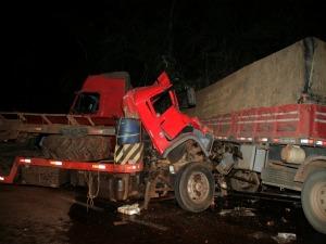 Acidente na BR-163 em MS (Foto: PC de Souza/Edição de Notícias)