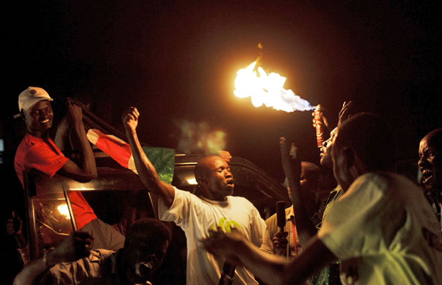 Comemoração tomou conta das ruas de Juba, a nova capital do Sudão do Sul (Foto: David Azia/AP)