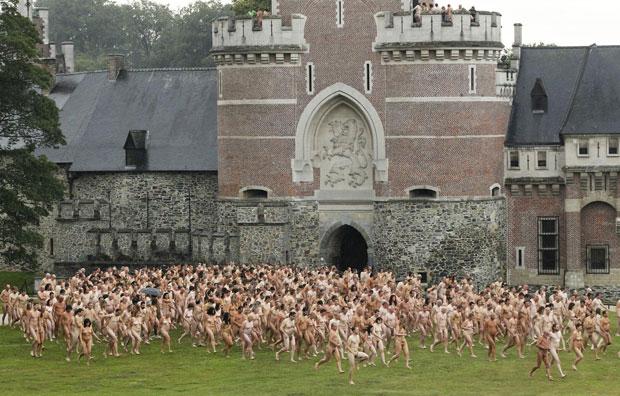 Fotos grupo nu (Foto: Thierry Roge/Reuters)