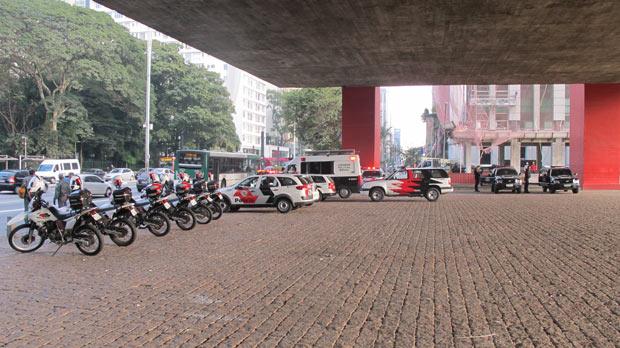 Polícia escoltou os participantes da marcha. (Foto: André Luís Nery/G1)