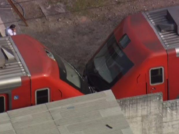 Segundo a CPTM, composição bateu em outro trem que esperava sinalização (Foto: Reprodução/TV Globo)