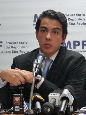 Procurador diz que provas são 'claras' no que diz respeito a responsabilidades (Foto: Luciana Bonadio/G1)