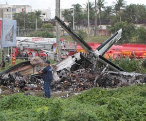 Avião Recife (Foto: Alexandre Gondim/JC Imagem/AE)