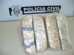 Jovem aceita transportar droga do Paraguai para ES em troca de plástica (Foto: Polícia Civil / Divulgação)