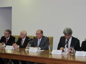 Alckmin anunciou aumento escalonado em dois anos para policiais militares, civis e agentes de segurança e de escolta (Foto: Letícia Macedo/ G1)