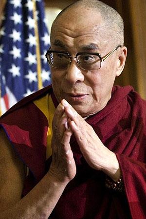 Dalai Lama chegou aos EUA no início de julho. Na foto, o líder participa de evento no Capitólio, em Washington, em 7 de julho (Foto: Brendan Smialowski/Getty Images/AFP)