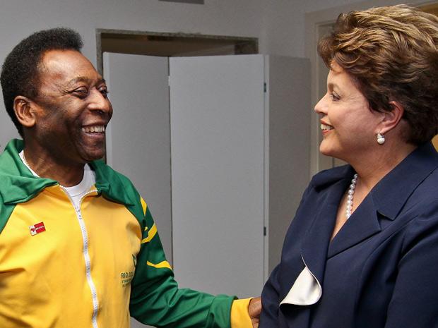 A presidente Dilma Rousseff se encontrou com Pelé durante a cerimônia (Foto: Roberto Stuckert Filho / PR)