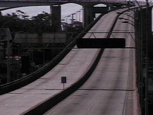 Terceira Ponte fica interditada para serviço de emergência (Foto: TV Gazeta)