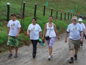 Caminhada reúne mais de mil pessoas em Viana (Foto: Prefeitura de Viana/Divulgação)