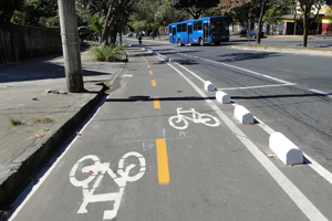 Ciclovia na Avenida Américo Vespúcio, na Região Noroeste de BH, deve ser inaugurada em agosto. (Foto: alex)