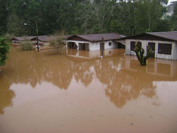 Chuva causou prejuízos na cidade de Encantado (RS) (Foto: Anapaula Gotardi/VC no G1)