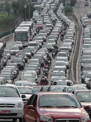 Congestionamento na Radial Leste, no município de São Paulo (Foto: Agência Estado)