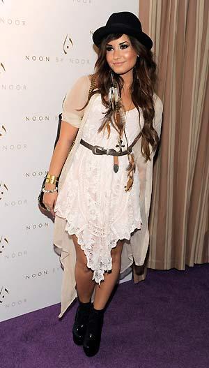 A cantora e atriz Demi Lovato durante evento de moda realizado na última quarta-feira (20), na Califórnia (Foto: AP)