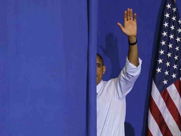 Obama deixa encontro na Universidade de Maryland, nesta sexta-feira (Foto: Reuters)