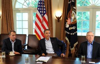 Presidente Obama se reúne com os líderes do Congresso na manhã deste sábado, na Casa Branca (Foto: AFP)