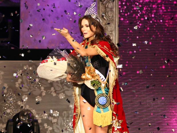 Priscila Machado, após ser anunciada como Miss Brasil 2011 (Foto: Daigo Oliva/G1)