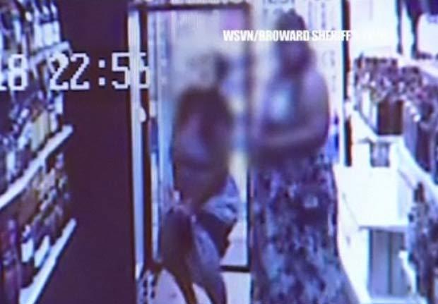 Mulheres roubaram quatro garrafas de champanhe. (Foto: Reprodução)