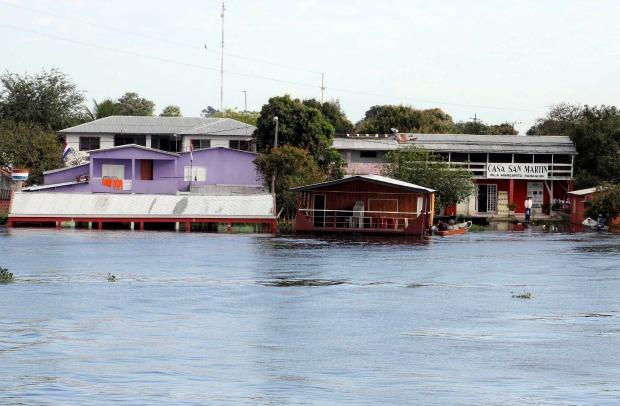 Rio Paraguai em Porto Murtinho está em 6,82 metros (Foto: Toninho Ruiz)