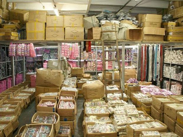 Bolsa De Festa Rua 25 De Março : G opera??o apreende mais de mil produtos piratas no